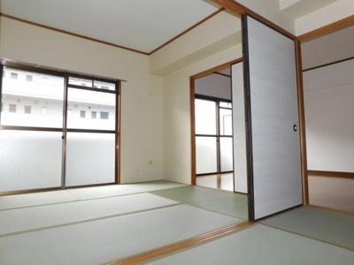 ベランダ側和室は洋室へ変更されます。同じ間取りの別の部屋写真です