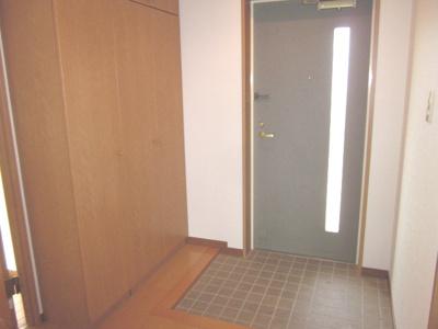 同じ間取りの別の部屋の写真です。段差はありますが段差が低いので上がりやすいです。