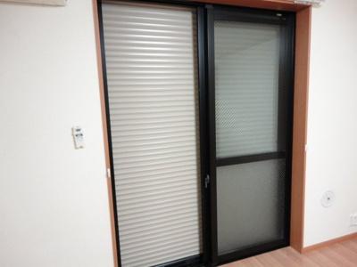 窓シャッター