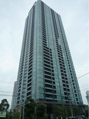 平成22年建築の45階建てタワーマンション