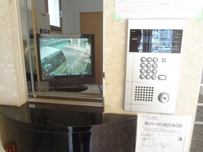 オートロック・防犯カメラ