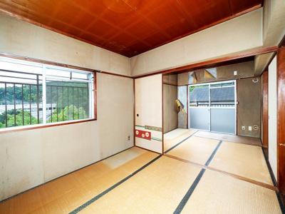 4.5帖二間の続き和室ですが、1室をリビングに組み込む予定です。