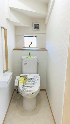 【同仕様施工例】浴室乾燥機付の一坪バスです。足を伸ばせてリラックスできます。