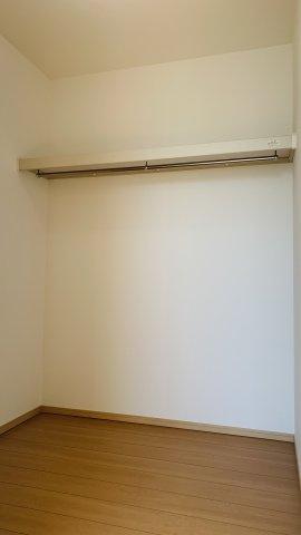 【同仕様施工例】2階7.5帖 2面窓からの差込む光で昼間も明るいお部屋です。