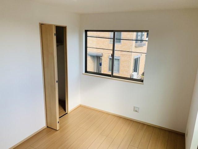 【同仕様施工例】1階16帖 陽当りのよい居心地の良いリビングには自然と家族が集まり、会話も弾みそうですね。