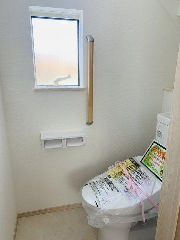 【同仕様施工例】花粉や梅雨の季節など浴室乾燥機があれば洗濯物を干すのに便利です。