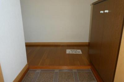 【玄関】オアシス六番館