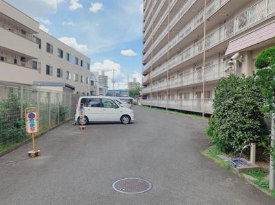 敷地内駐車場もあります。