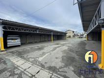 倉員ガレージ駐車場の画像