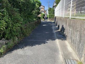 【前面道路含む現地写真】下阪本四丁目45坪土地