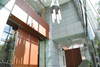 エルザグレース堀江タワー おしゃれなエントランスアプローチ