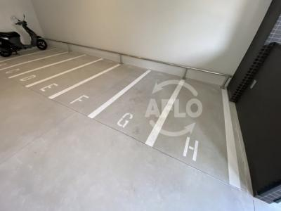 レオンコンフォート天神橋 バイク駐置場