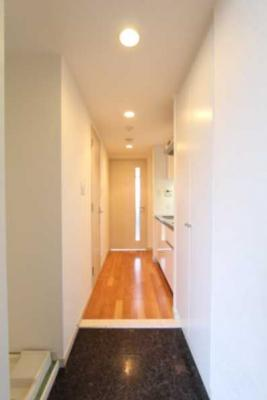 【玄関】プラウドフラット三軒茶屋独立洗面台 浴室乾燥機 オートロック