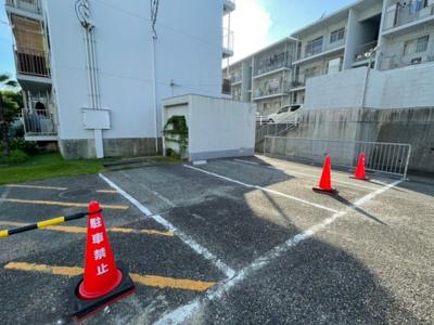 【駐車場】上高丸厚生年金住住宅