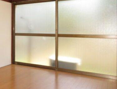 大きな窓で明るいです