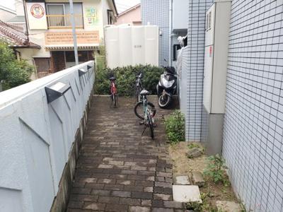 駐輪場☆神戸市垂水区 メゾン・ド・アルニカ 賃貸☆
