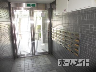 【ロビー】ドロメンスカセ三番館