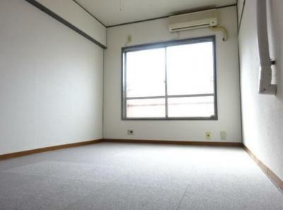 【寝室】新宿ローヤルコーポ