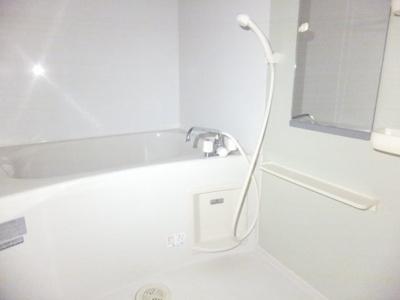 【浴室】ヴィラ フィオーレ