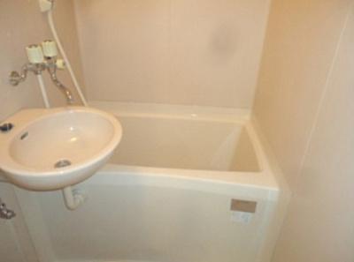 【浴室】メゾンソレイユ 駅徒歩5分 南向き 室内洗濯機置場