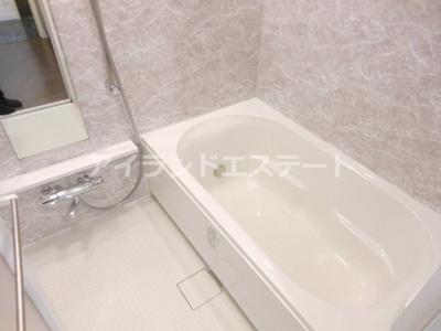 【浴室】レジディア三軒茶屋Ⅲ 築浅 ファミリー向け賃貸 独立洗面台