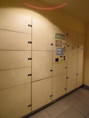ベイサイドステージ東京の宅配ボックスです。