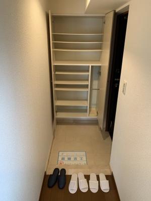 【玄関】ローレルトアスクエア
