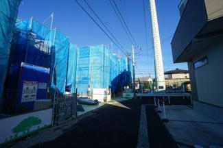 【前面道路含む現地写真】北区盆栽町 新築戸建