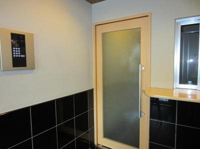 【セキュリティ】Amax駒大  オートロック 室内洗濯機置場 鉄筋コンクリート造