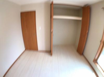 7帖の洋室の収納です♪写真ブレててすみません、、、