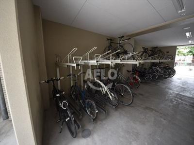 アドバンス大阪城レガーレ 駐輪場