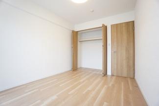 収納できるクローゼットで、室内をすっきり綺麗に保てます