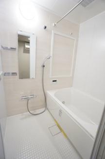 清潔感あふれるバスルームは1日の疲れを癒す憩いの空間になります