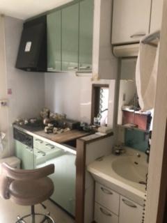 診察室内 キッチンと洗面台