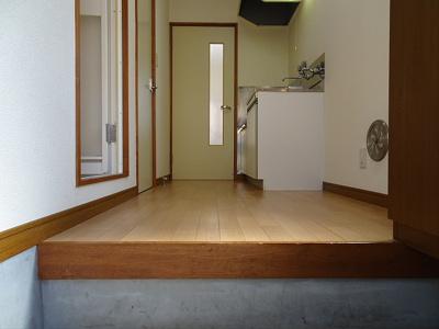 【玄関】お値打ちバストイレ別アパート♪