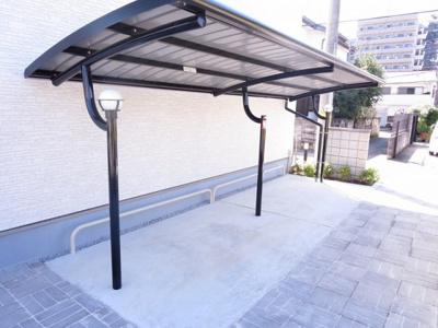 屋根付きの駐輪場も完備しております。