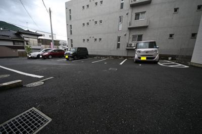 【駐車場】サン・フローラ 三郎丸