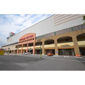 ショッピングセンター「ベルモールまで1093m」