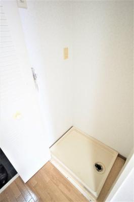 洗濯機置き場は扉が付いてますよ