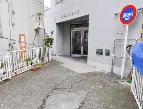 【エントランス】亀有中川マンション