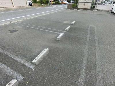 【駐車場】メゾン・アルカンシエル