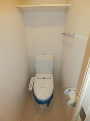温水洗浄便座付きトイレです。
