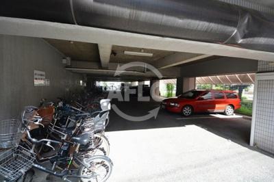 日宝サンフラッツ東平 駐車場