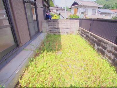 【庭】レーヴィンス稲葉