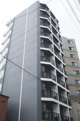 ブルーライン吉野町徒歩3分の築浅マンションです