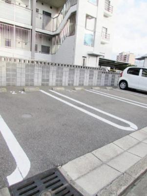 【駐車場】グローヴ・ガーデンE