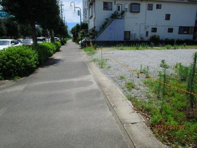 前面の歩道部分