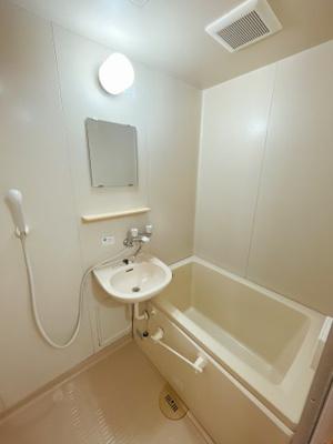 【浴室】カーサS.T