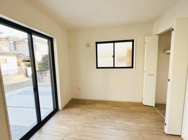 ミニストップ川間駅前店