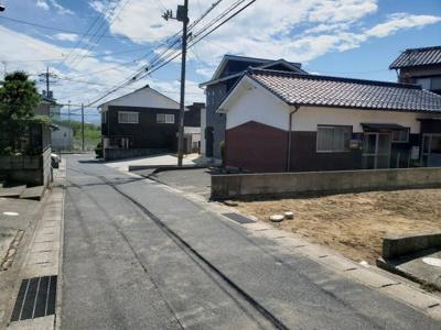 【前面道路含む現地写真】鳥取市浜坂2丁目土地